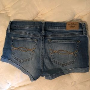 Abercrombie & Fitch Shorts - Abercrombie & Fitch jeans short size 2 or 26.